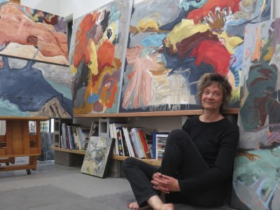 Canadain artist barbra edwards in her Pender Island studio